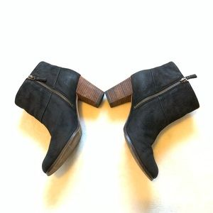 Cole haan ankle boots size 7 1/2